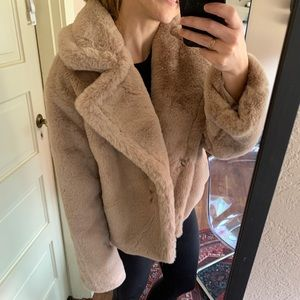 Big Time Plush Faux Fur Jacket in Light Taupe NWT